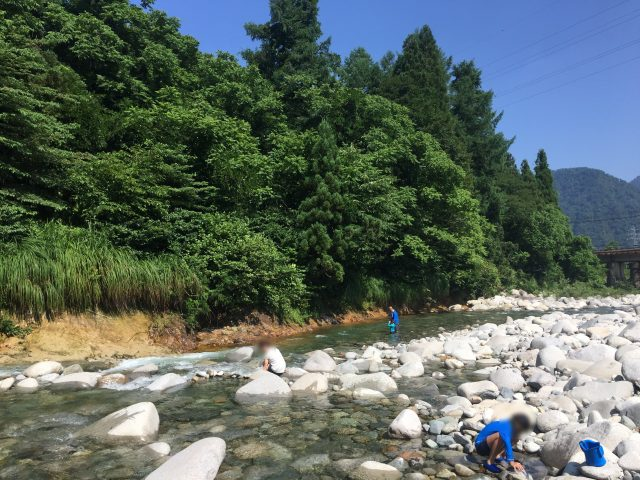 越後湯沢 鱒どまり 川遊び