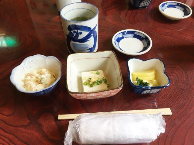 すし処 鮨岡の小鉢