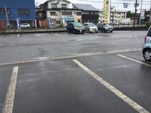 南魚沼市・塩沢 うおぬま倉友(そうゆう)農園 駐車場